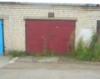 Parduodamas 21,95 kv. m. mūrinis garažas.